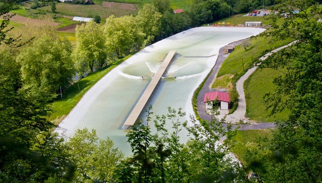 Wavegarden_view_from_the_top