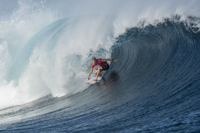 Mick Fanning in the barrel and fully committed in his Round 3 heat against Alejo Muniz in Round 3 of the Fiji Pro.