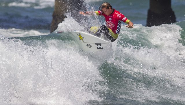 Courtney Conlogue (USA) won her fourth round heat today and has advanced into the quarterfinals at Vans U.S. Open of Surfing.