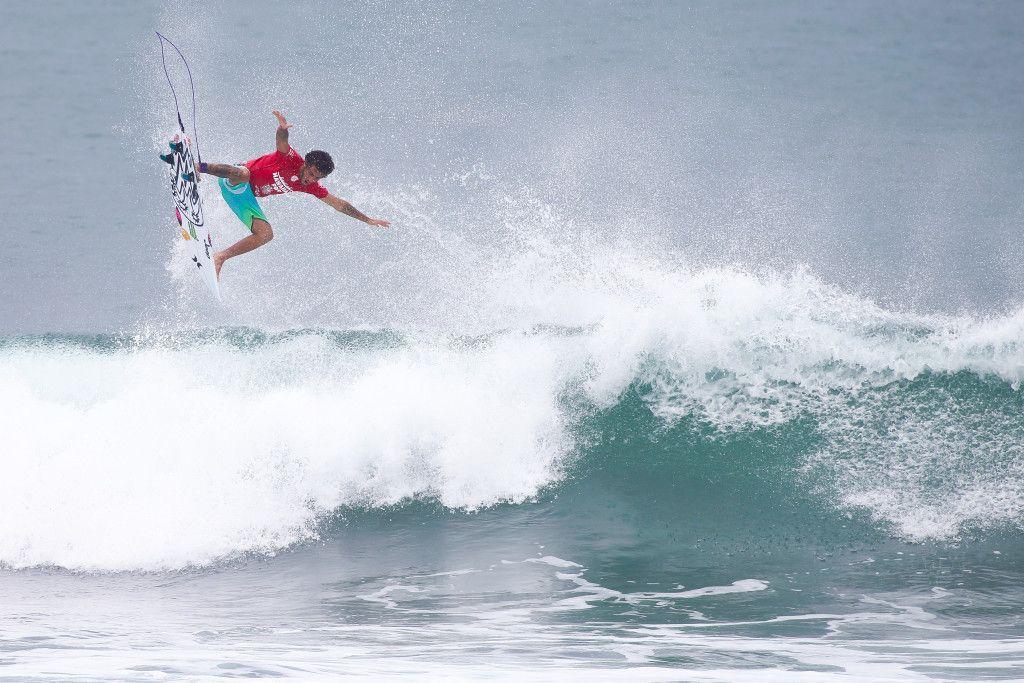 Filipe Toledo (BRA) . Hawaiian Pro 2015