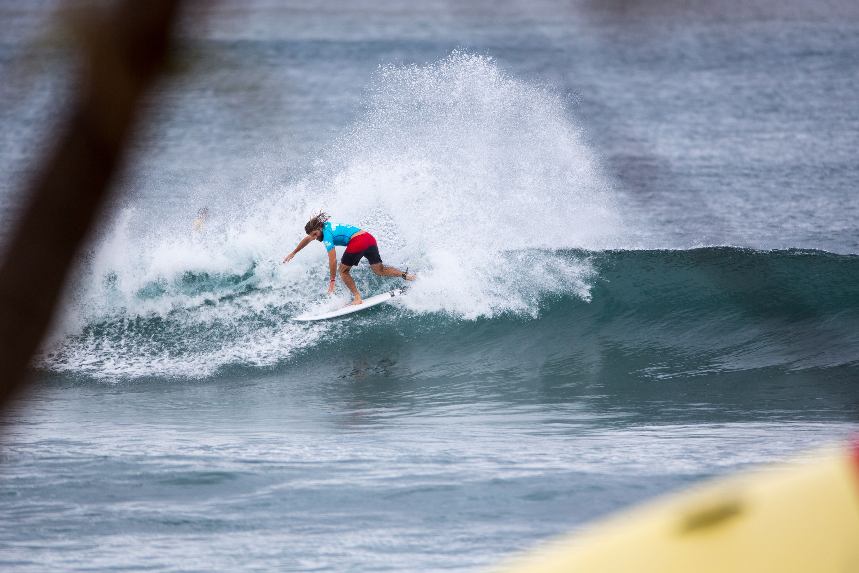 Wade Carmichael, advances out of Rd3 of the Hawaiian Pro