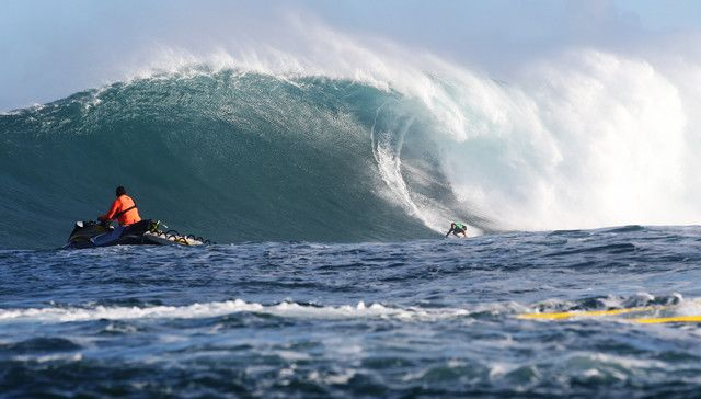 Billy Kemper during Round 1 at the Peahi Challenge in Maui on December 6, 2015.