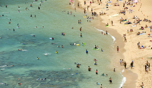 Swimmers and snorkeling in Hanauma Bay, Honolulu