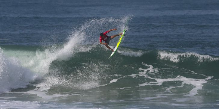 Italo Ferreira of Brasil winning his round one heat at the Oi Rio Pro.