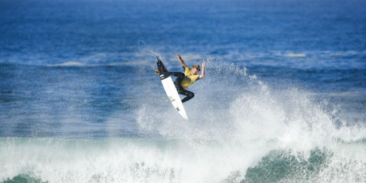 John John Florence winning Heat 6 of Round One at the Quiksilver Pro France.