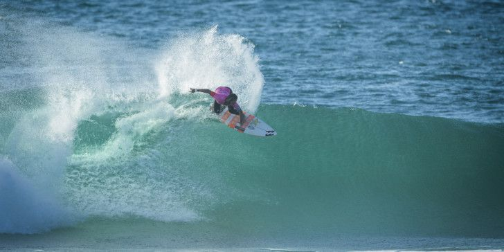 Courtney Conlogue (USA) Placed 1st in Heat 3 of Round Two at Roxy Pro France 16
