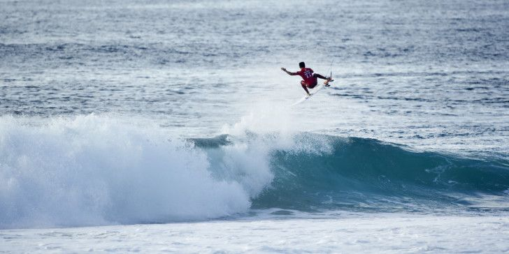 Filipe Toledo won Heat 2 of Round Four with a perfect 10 point ride at the Quik Pro France.