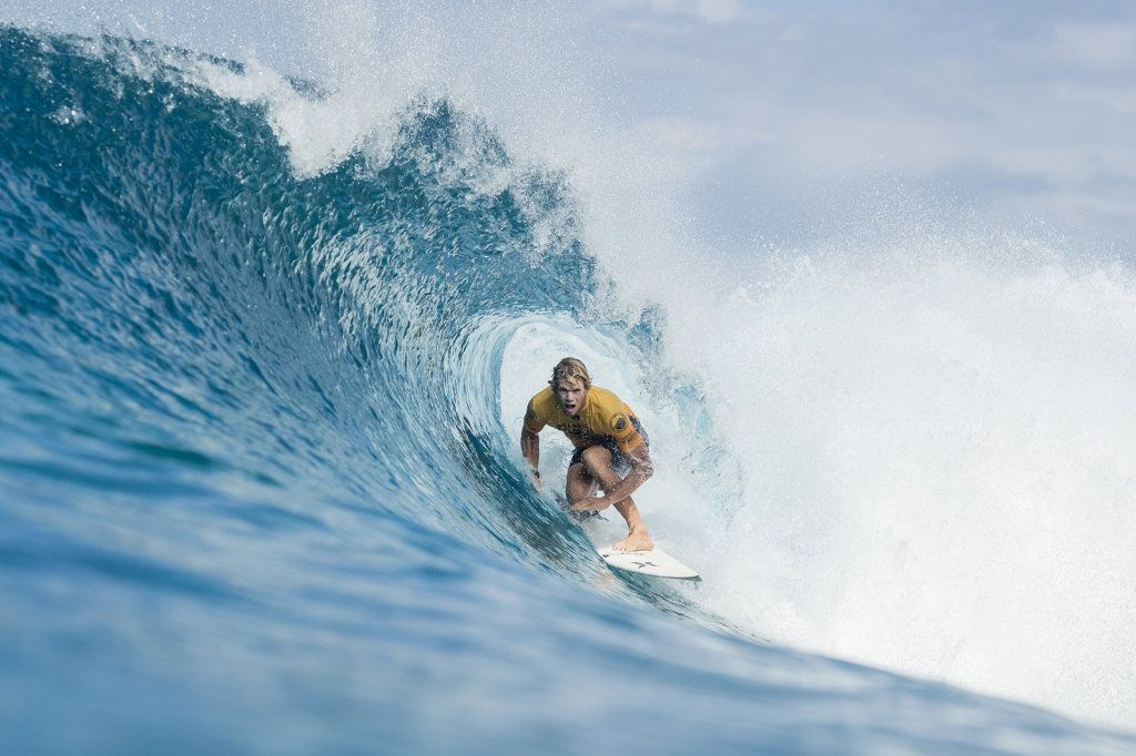 7b2adad26e429c Reigning World Champion and World No.1 on the Jeep Leaderboard John John  Florence of Hawaii advances to Round Four of the 2017 Billabong Pipe Masters  after ...