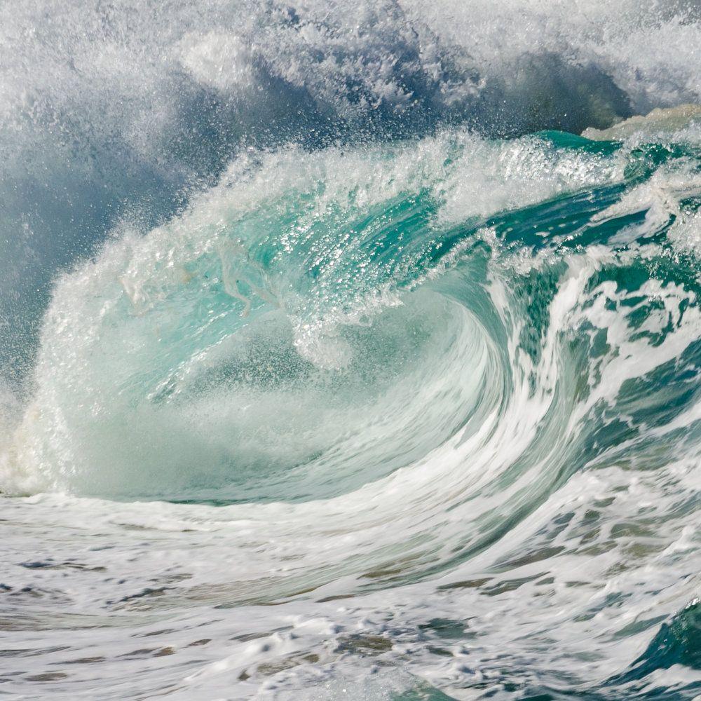 waimea-shorebreak-deep-view